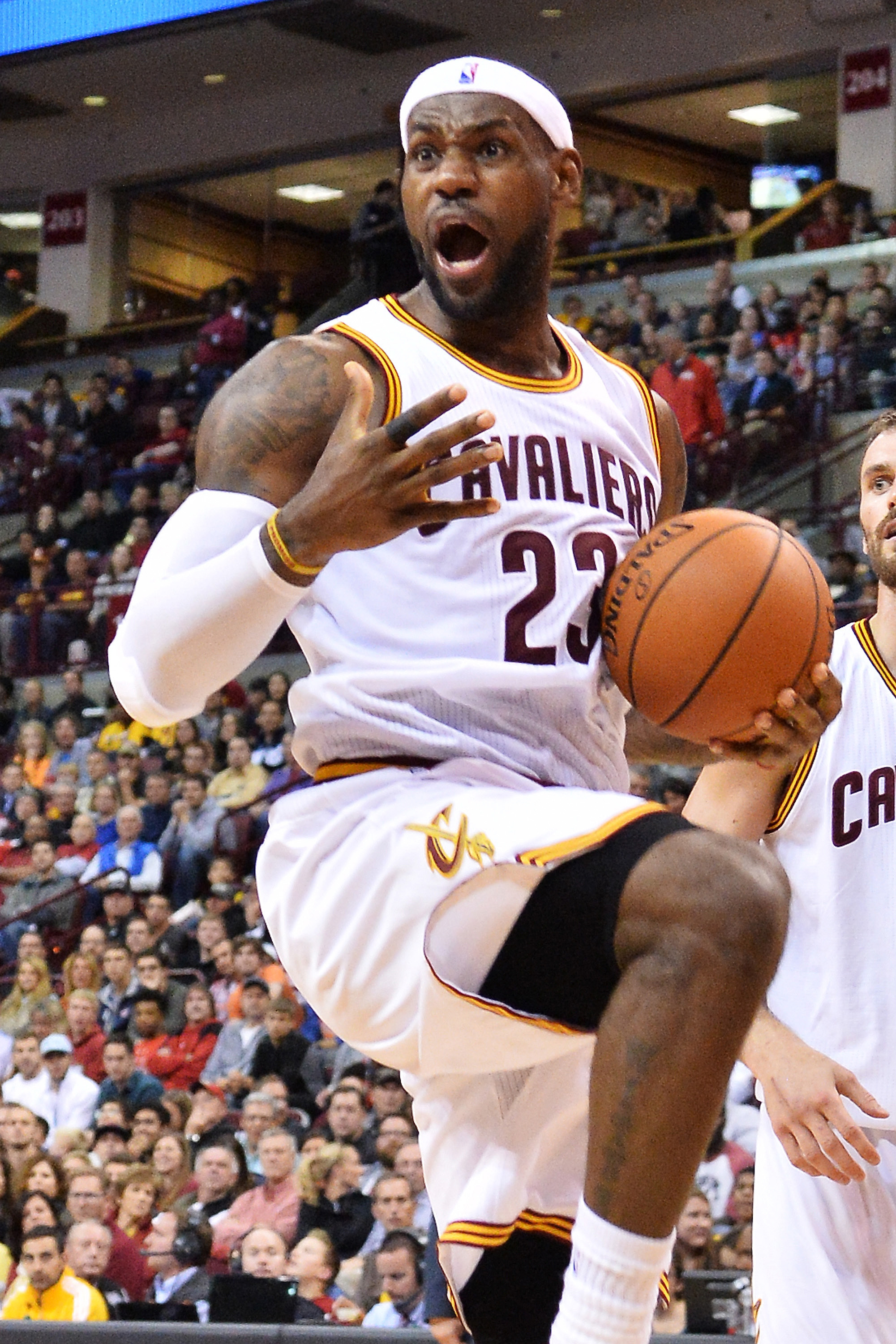 958a155eefea FemaleFan » Cavs Cruise To Win In Game 2